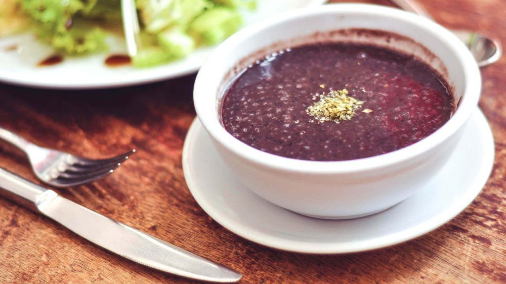 Чорба от черен боб - вкусна есенна рецепта