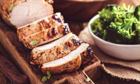 Пуешко месо с вино и билки - рецепта